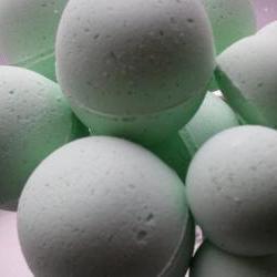12 bath bombs 1 oz each (China Rain) gift bag bath fizzies, great for dry skin, shea, cocoa, 7 ultra rich oils